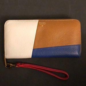 Fossil Zip Clutch Wallet